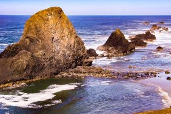 Rocky shoreline at Seal Beach, Oregon.