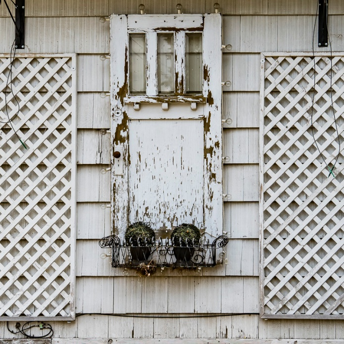 white, door, on wall, trellis